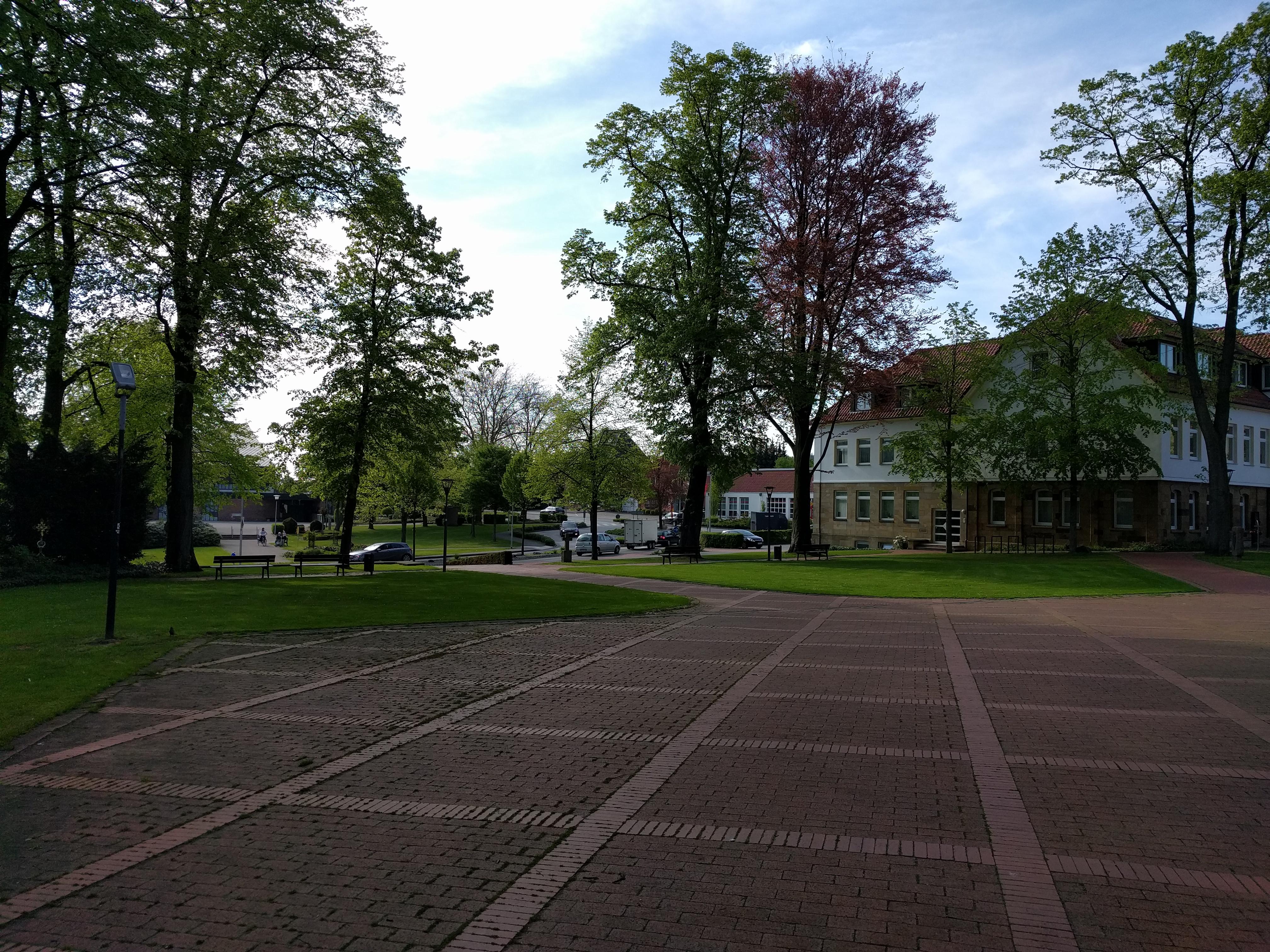 agen am Teutoburger Wald, Kirchplatz