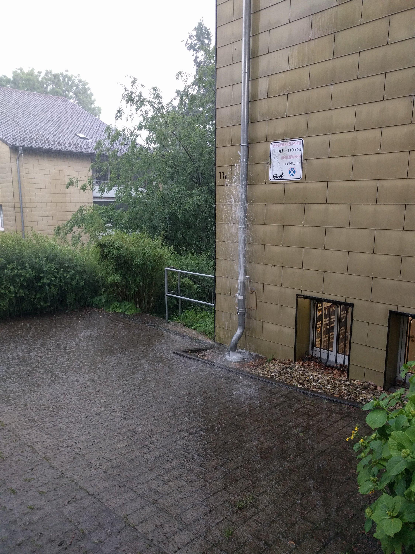 Regenabflussrohr überfordert