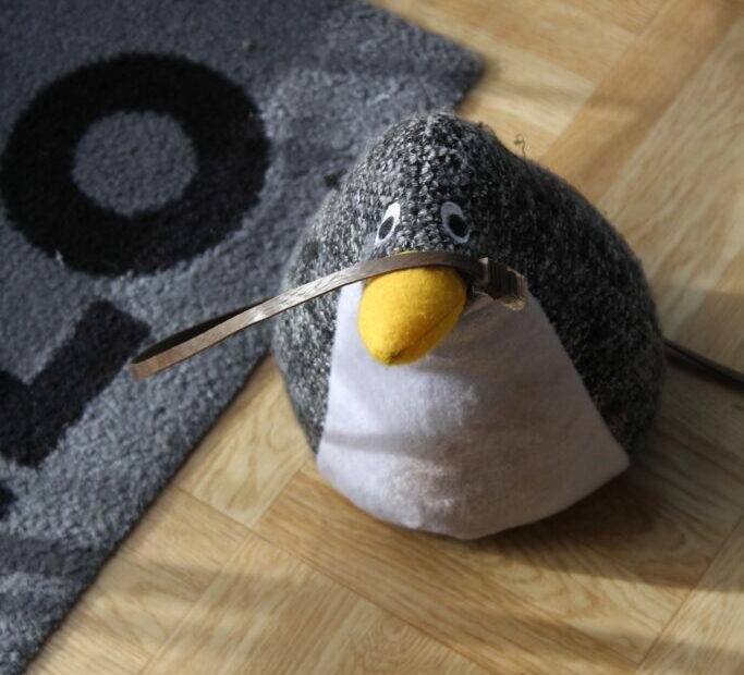 Pinguin mit Kabel